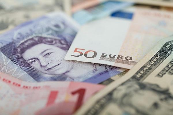 Cambio euro dollaro, recupero veloce su scenario ribassista