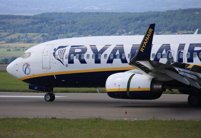 Assunzioni Italia 2017: posti di lavoro aerei Ryanair piloti ed equipaggio, le info