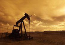 Prezzo Petrolio 10 gennaio 2017 tenta il rimbalzo, target 60 dollari
