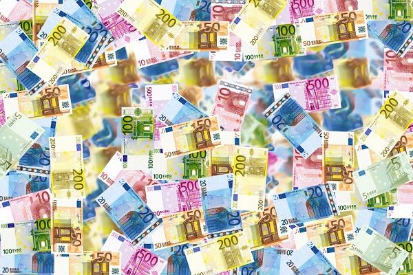 Uscita Italia dall'Euro, svelati i costi per uscita dalla moneta unica