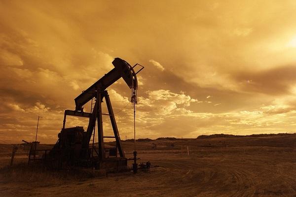 Prezzi petrolio 2017, quotazioni Brent scivolano sui minimi degli ultimi quattro mesi