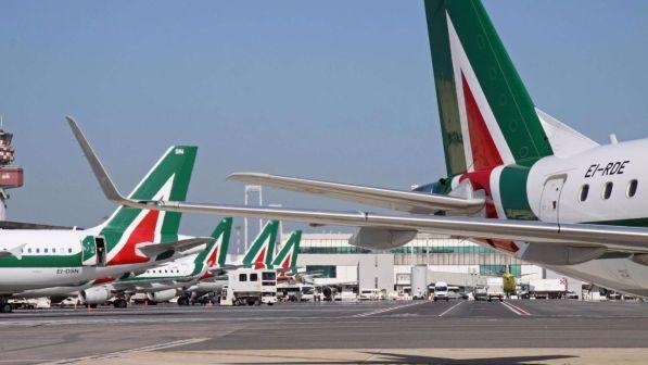 Alitalia, stop al voto sul referendum i sindacati temono prevalga il no
