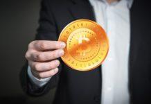 Bitcoin valore al nuovo record storico, bene rifugio epocale o rischioso