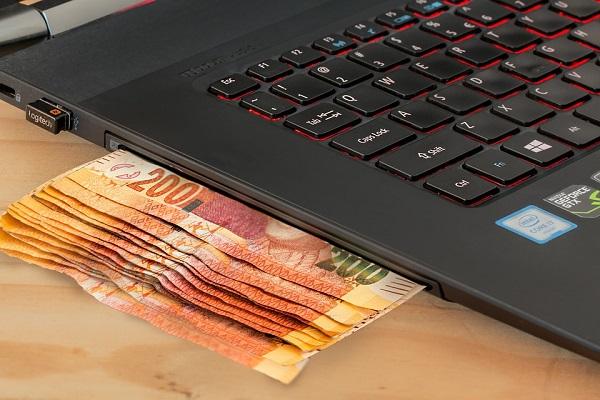 Conto corrente, investimenti e carte, guida ABI contro truffe online ed allo sportello