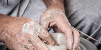 Lavoro a partita Iva, autonomi ad alto rischio povertà in famiglia