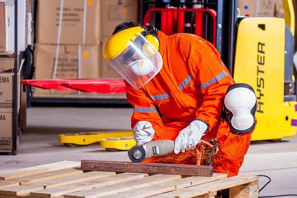 Dati Istat lavoro: occupazione stabile ad ottobre, aumenta il tempo determinato