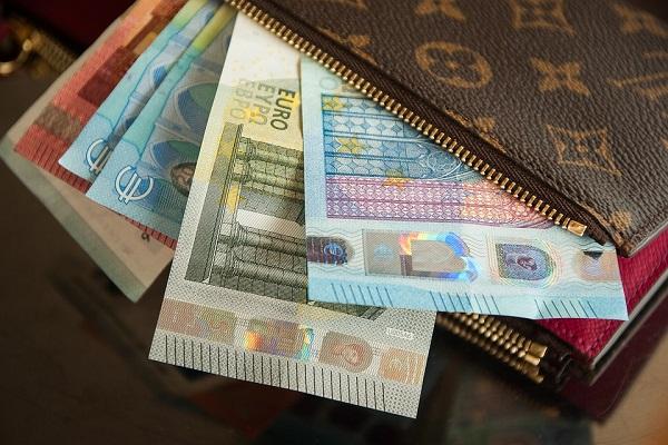 Soldi in tasca agli italiani, Confesercenti propone al Governo patto per i salari