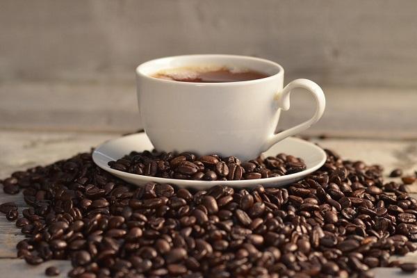 Pagamento elettronico al bar anche per un caffè, rischio multe per i commercianti