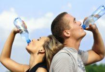 Prezzi acqua in bottiglia volano con la siccità, allarme speculazioni
