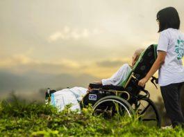 Legge 104, contributi e agevolazioni fiscali per chi assiste anziani e disabili
