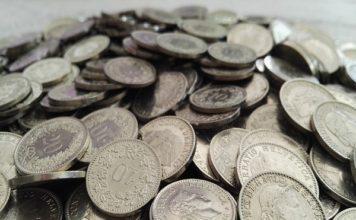 Reddito di base incondizionato, soldi per tutti a Zurigo, 2200 euro al mese