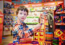 Regali di Natale 2017 nel segno di giocattoli e alimentari, indagine Confcommercio